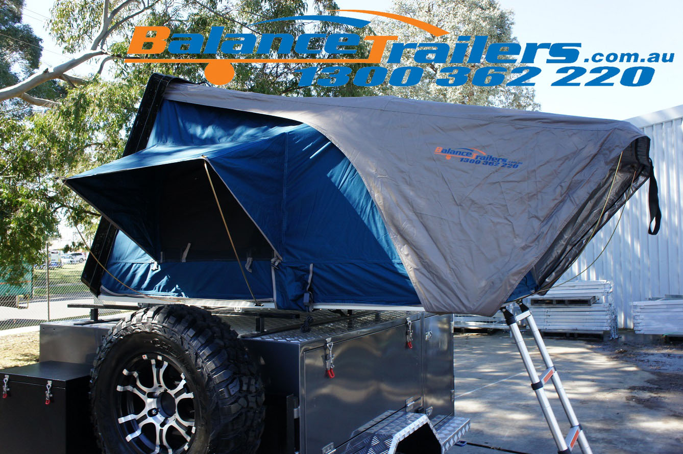 Aerodynamic Hard Shell Foldable Roof Top Tent Camping Rooftop 4WD